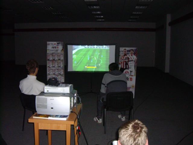 FIFA bajnokság egyik fordulatos meccse volt.